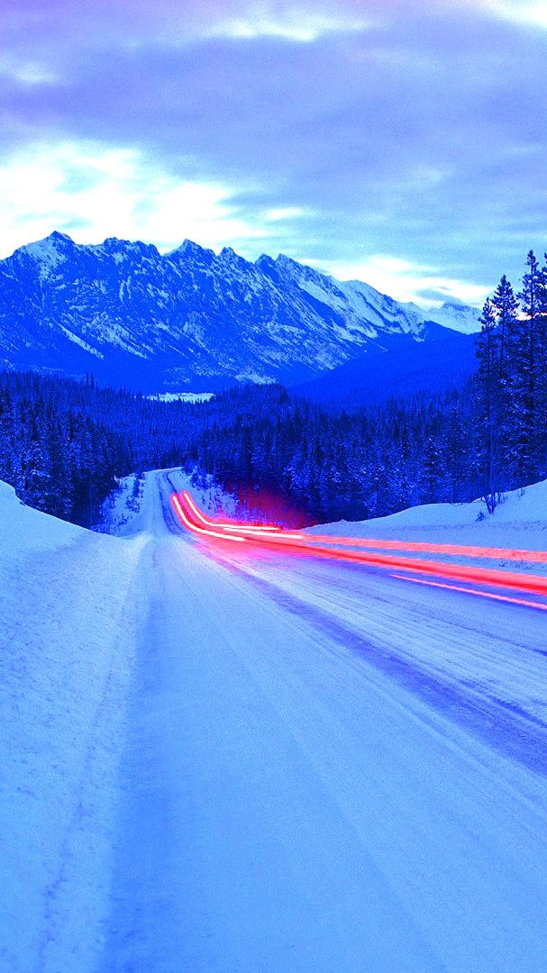 Long Exposure Light Effect on Ice Road iPhone Wallpaper iphoneswallpapers com