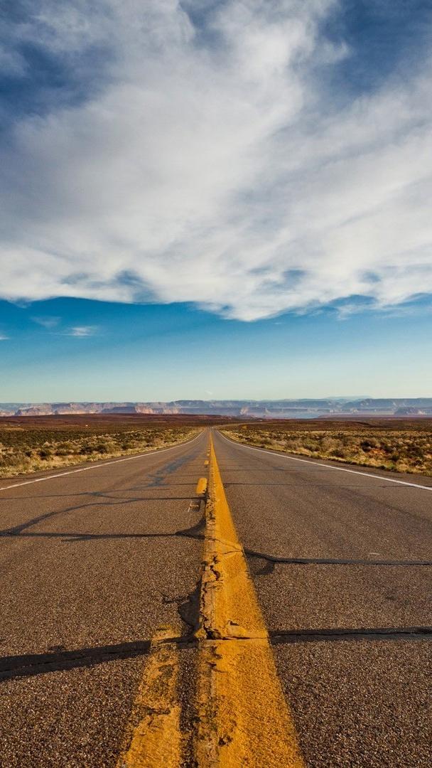 Long Route in Desert iPhone Wallpaper iphoneswallpapers com