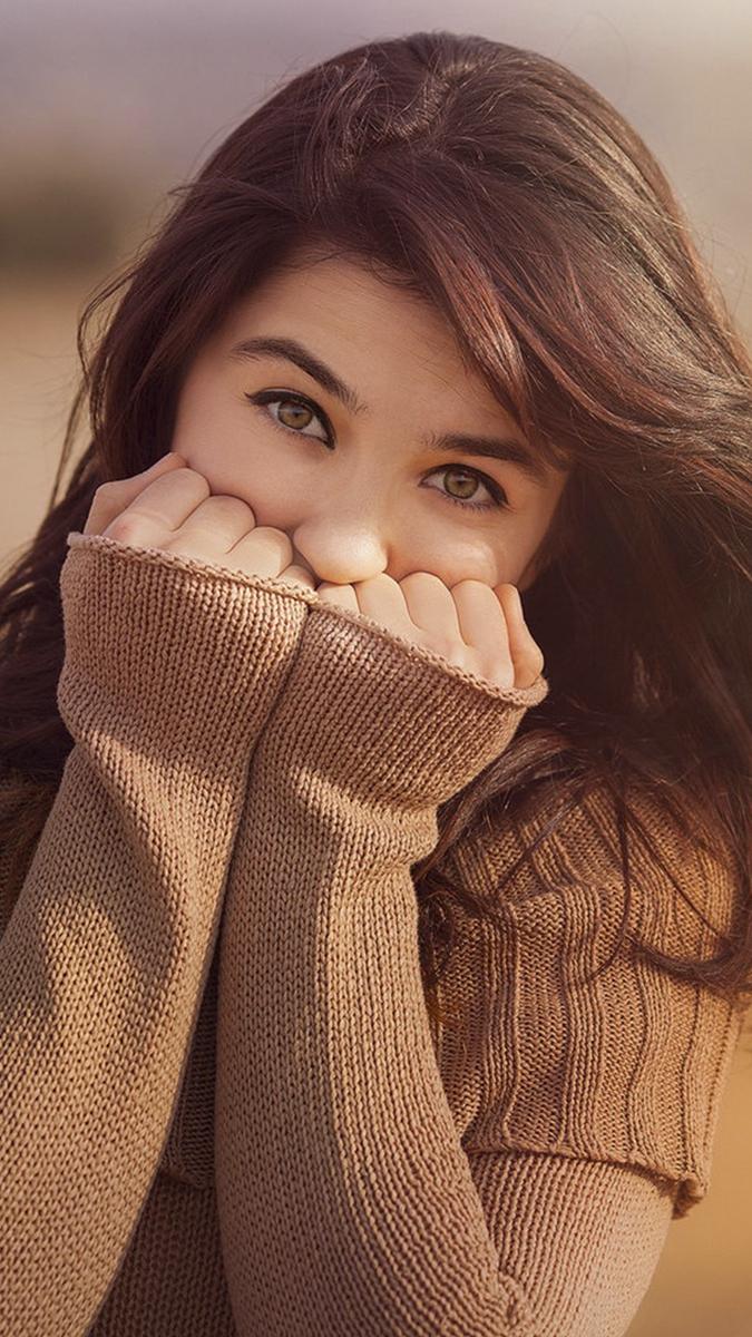 girl looksweater iPhone Wallpaper iphoneswallpapers com