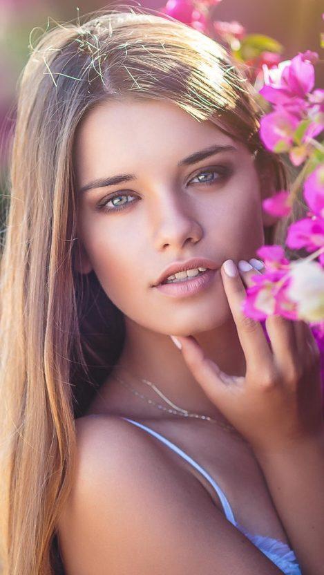beauty look wallpapers: Tanya-Mityushina-Hot-Model-iPhone-Wallpaper