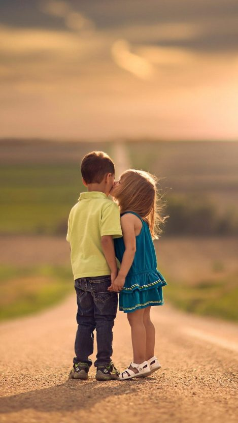 Cute Kids Kiss iPhone Wallpaper iphoneswallpapers com