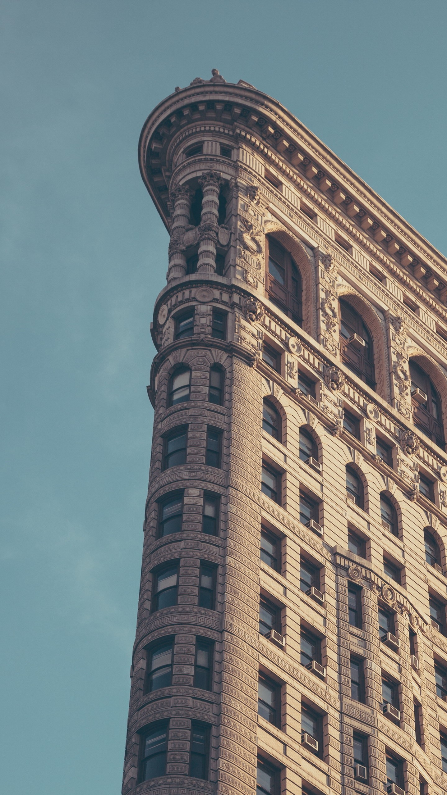 In Which New York Times Quotes From >> Flatiron-Building-New-York-City-Minimal-iPhone-Wallpaper - iPhone Wallpapers