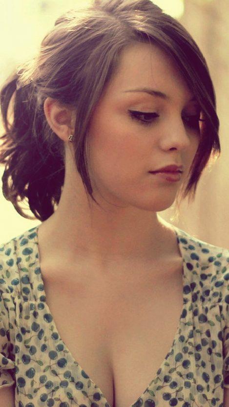 Imogen Dyer Beautiful Girl Wallpaper iPhone Wallpaper iphoneswallpapers com