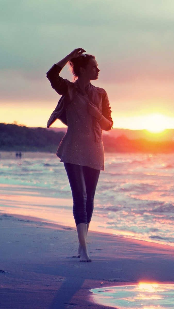 sea sunset girl iPhone Wallpaper iphoneswallpapers com
