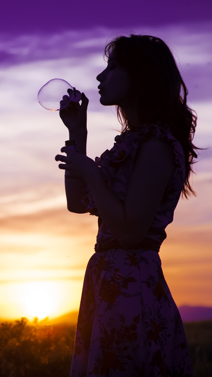 sunset girl soap bubbles iPhone Wallpaper iphoneswallpapers com