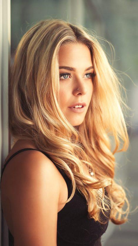 Beautiful Face Blonde Girl iPhone Wallpaper iphoneswallpapers com