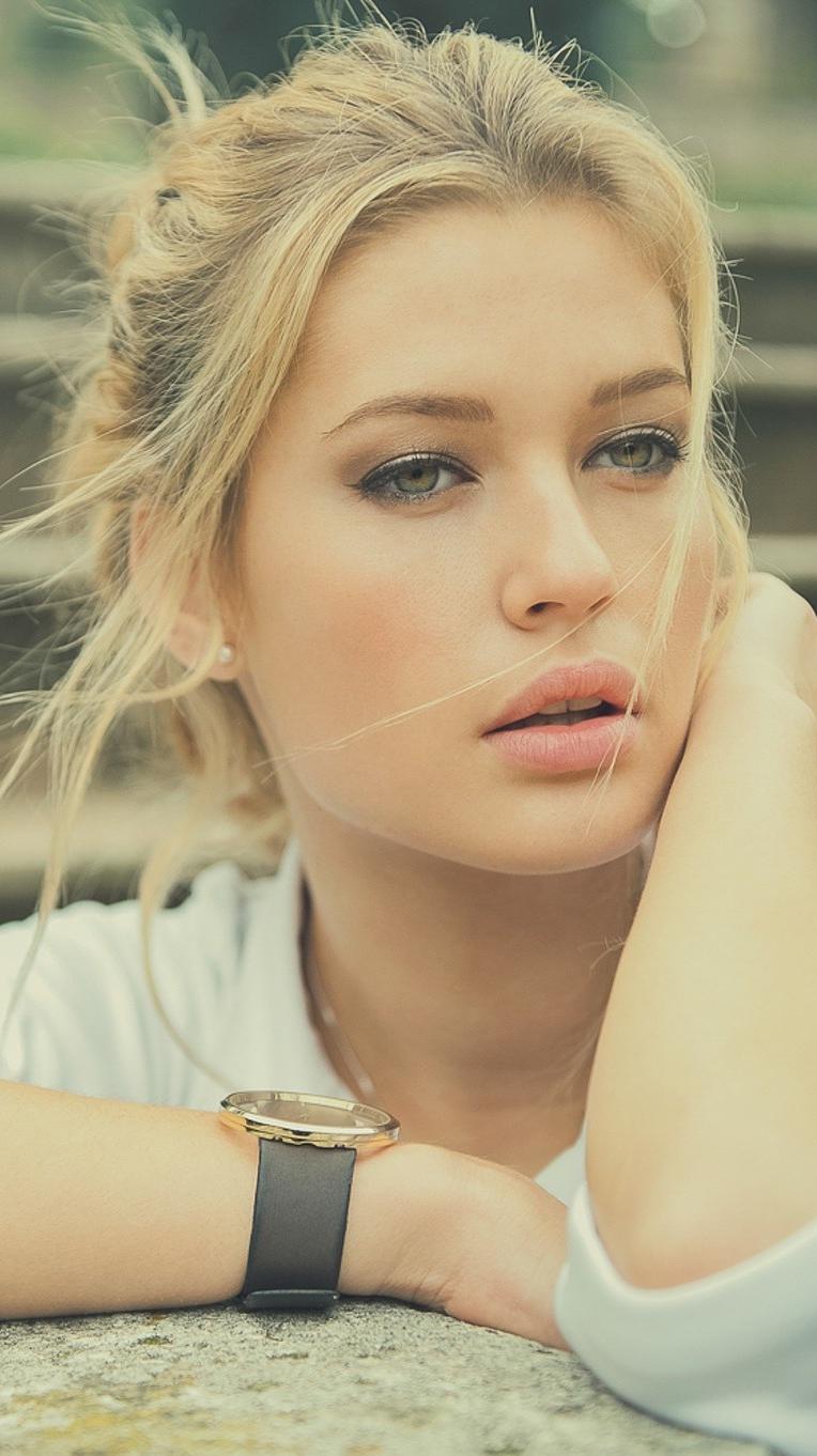 Beautiful Face Girl Model Wallpaper iPhone Wallpaper iphoneswallpapers com