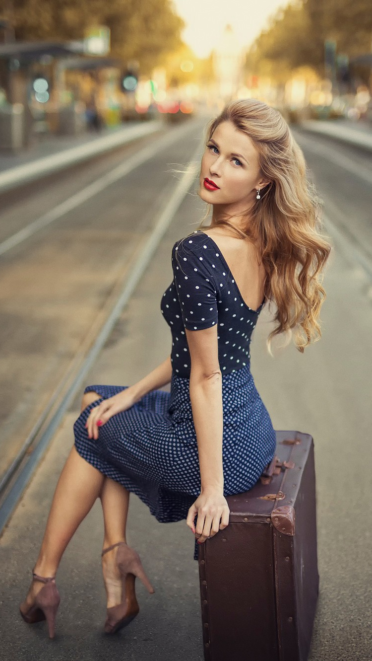Fashion Girl with Travel Bag Wallpaper iPhone Wallpaper iphoneswallpapers com