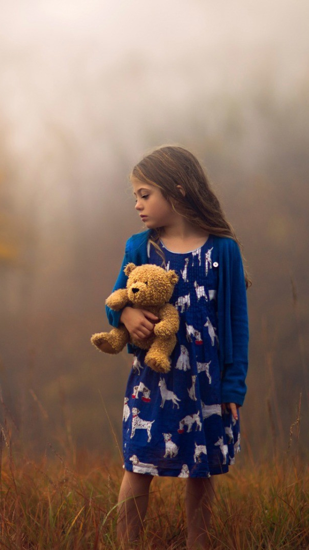 Girl With Teddy Wallpaper iPhone Wallpaper iphoneswallpapers com