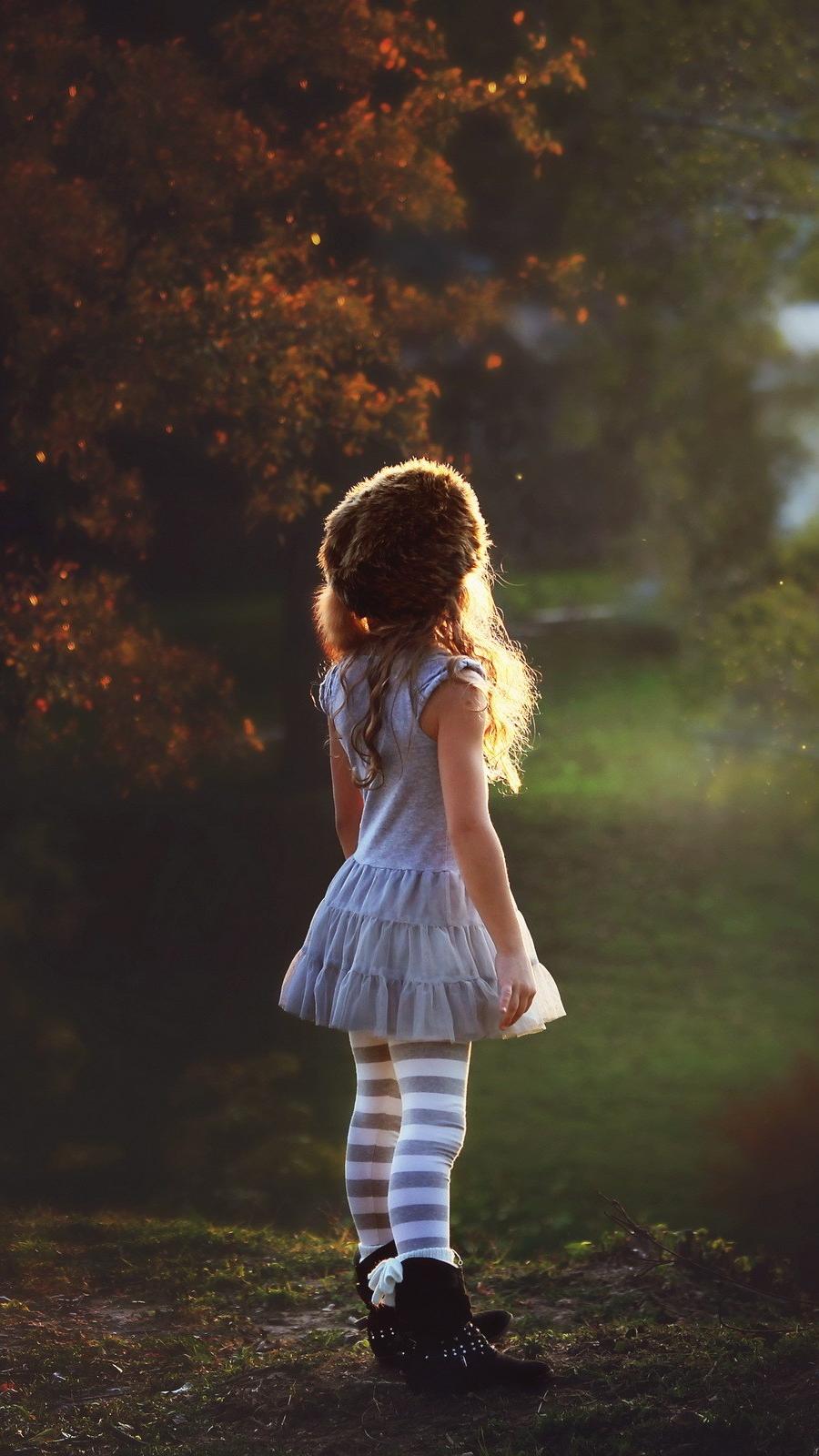 Little Cute Girl in Nature iPhone Wallpaper iphoneswallpapers com