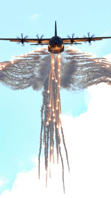 Lockheed Martin C30J Super Hercules Defense System 1 iPhone Wallpaper iphoneswallpapers com