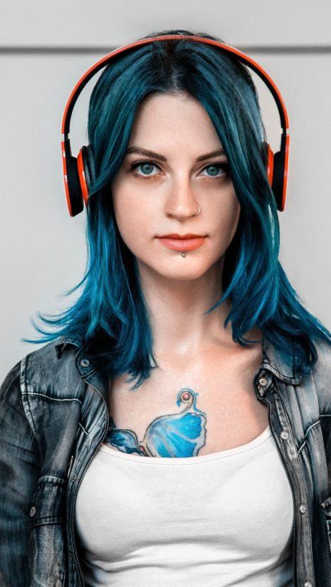 Tattoo-Girl-With-Headphones-iPhone-Wallpaper