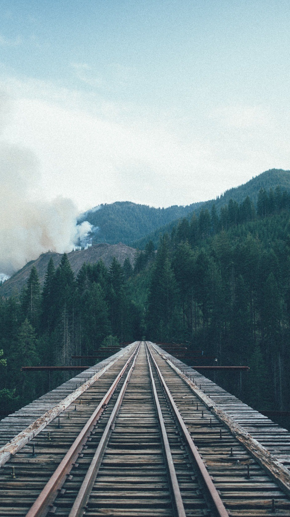 Train-to-Forest-Railway-Tracks-Forest-Mountains-iPhone