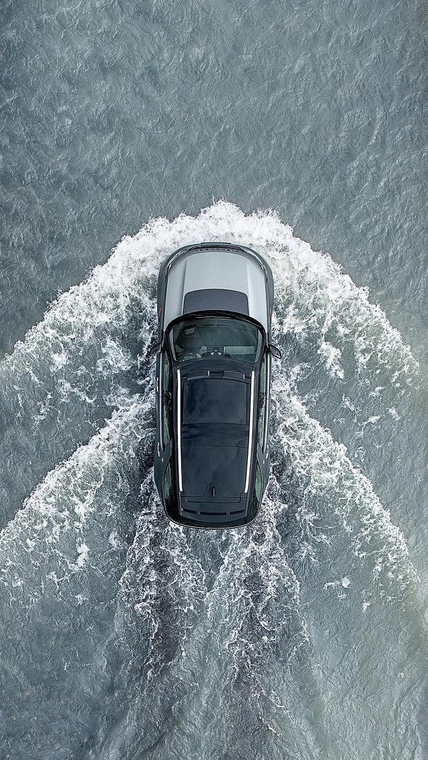Land Rover Discovery SVX in Water iPhone Wallpaper iphoneswallpapers com