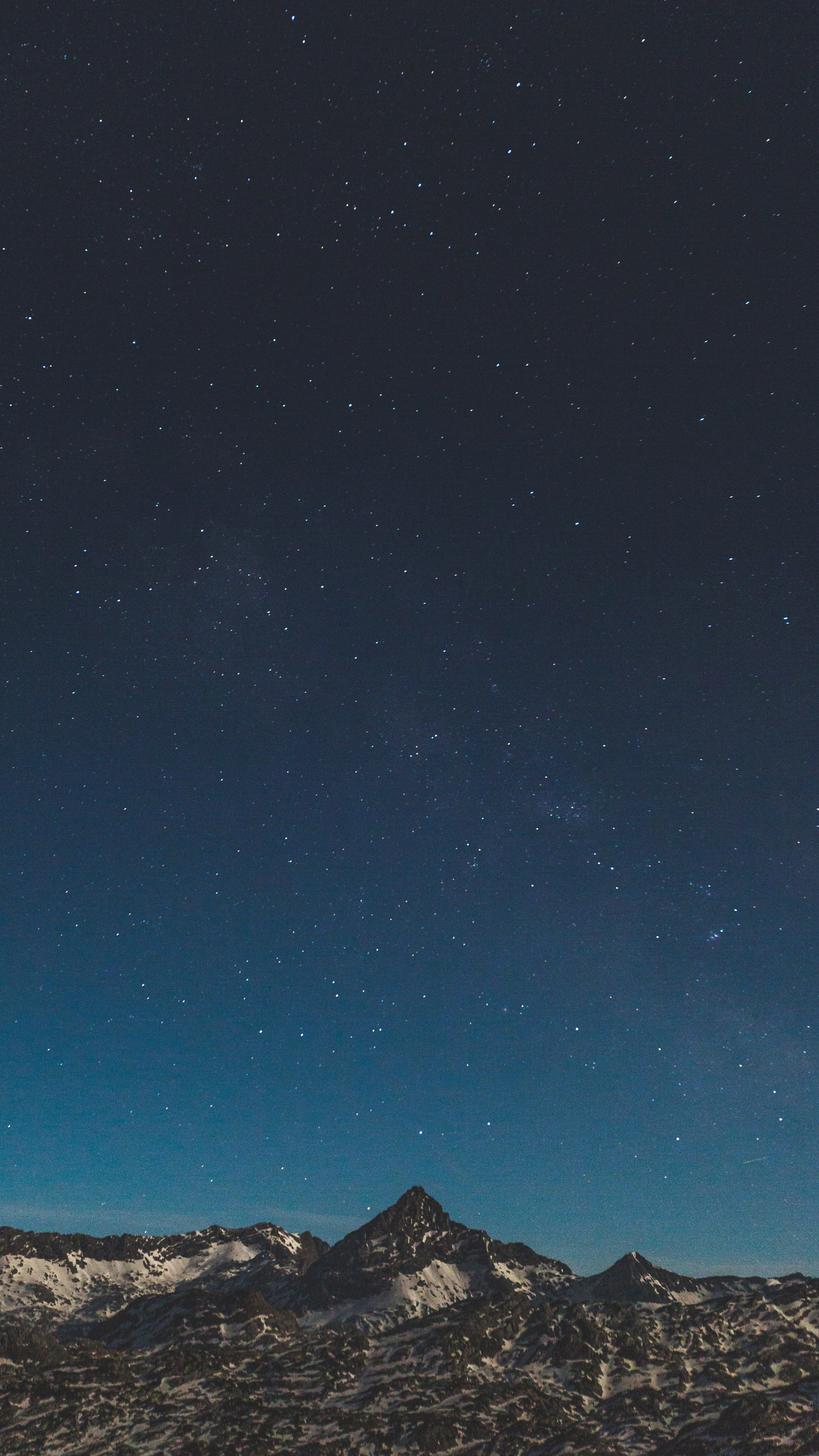 Night Sky View Snow Mountain Galaxy S8 iPhone Wallpaper iphoneswallpapers com