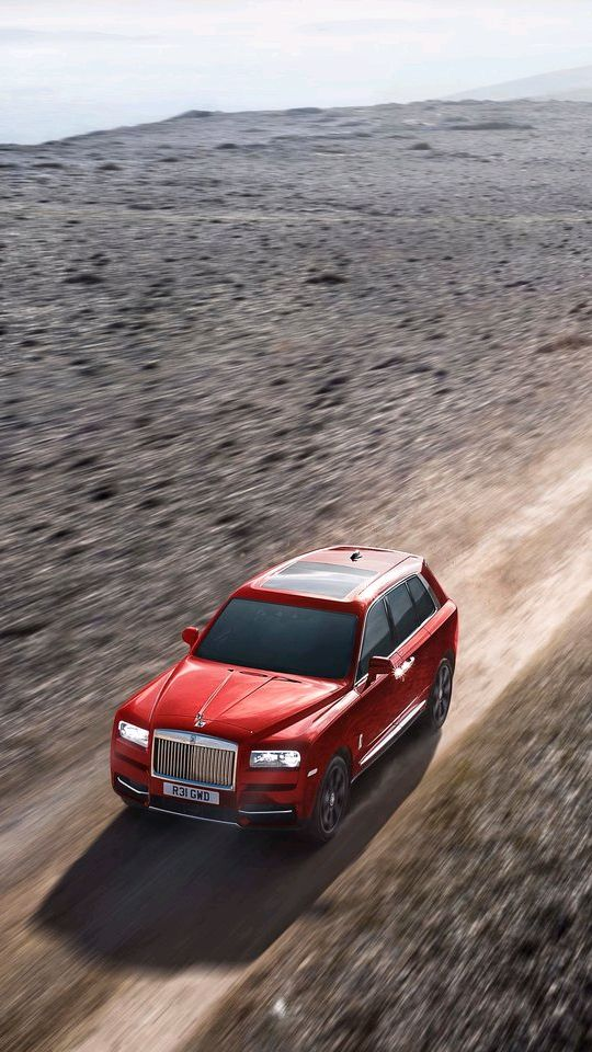 Rolls Royce Cullinan Offroading Iphone Wallpaper Iphone