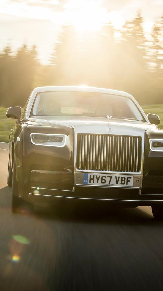 Rolls Royce Phantom iPhone Wallpaper iphoneswallpapers com