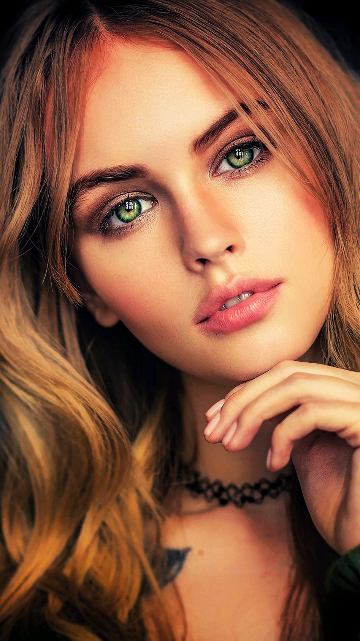 Anastasia-Scheglova-Beautiful-Face-Girl-Eyes-iPhone