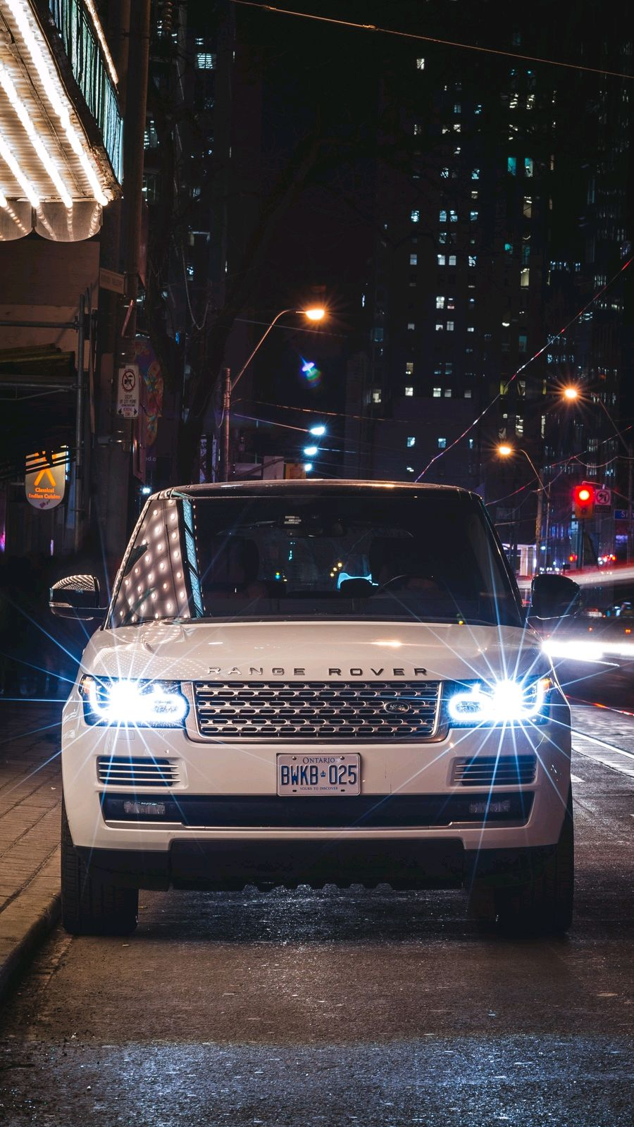 Range Rover Vogue Night Lights Luxury Iphone Wallpaper