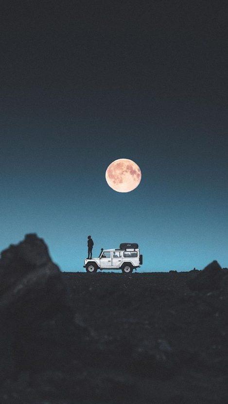 Land Rover Adventure iPhone Wallpaper