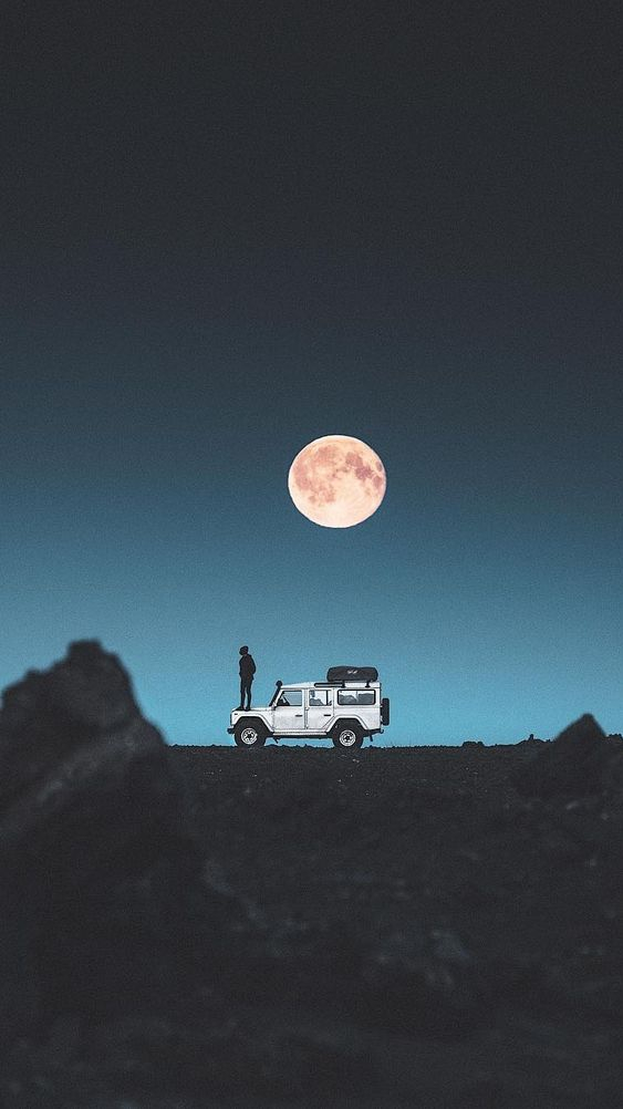 Land Rover Adventure iPhone Wallpaper