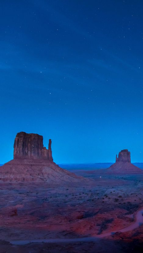 Monument Valley Mountains IPhone Wallpaper