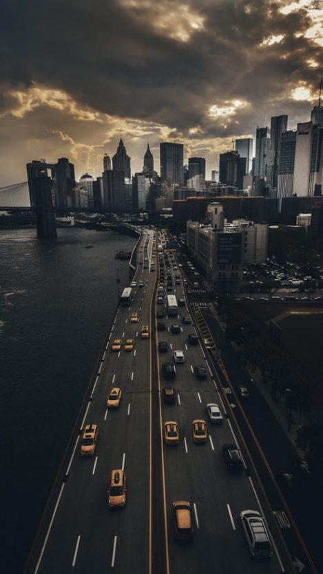 Manhattan Madness iPhone Wallpaper