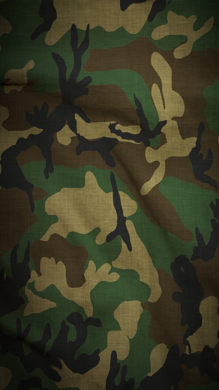 Army Cloth iPhone Wallpaper