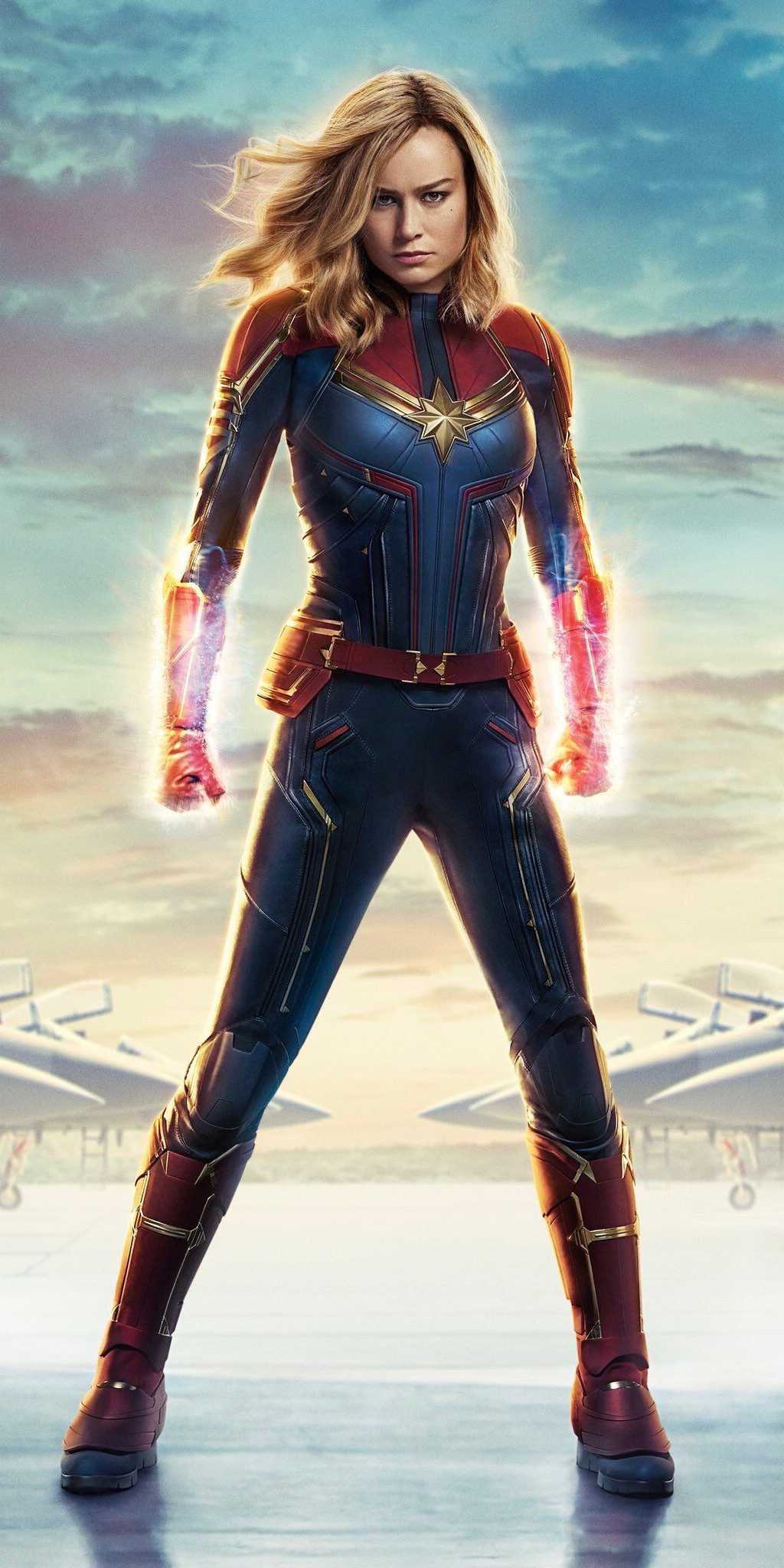 Carol Denvers Captain Marvel Pose iPhone Wallpaper