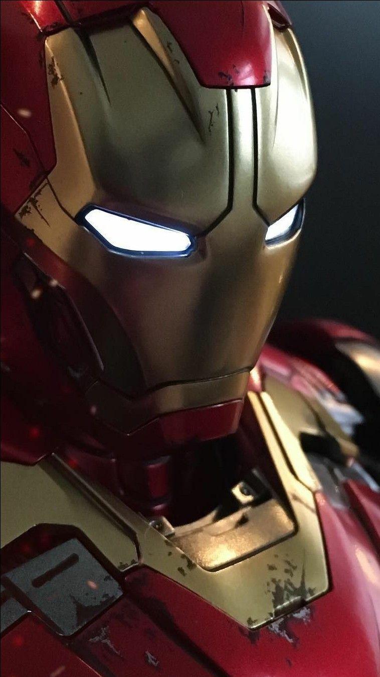 Damaged Armor Iron Man iPhone Wallpaper