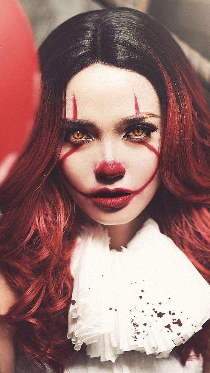 Elizabeth Olsen Joker iPhone Wallpaper