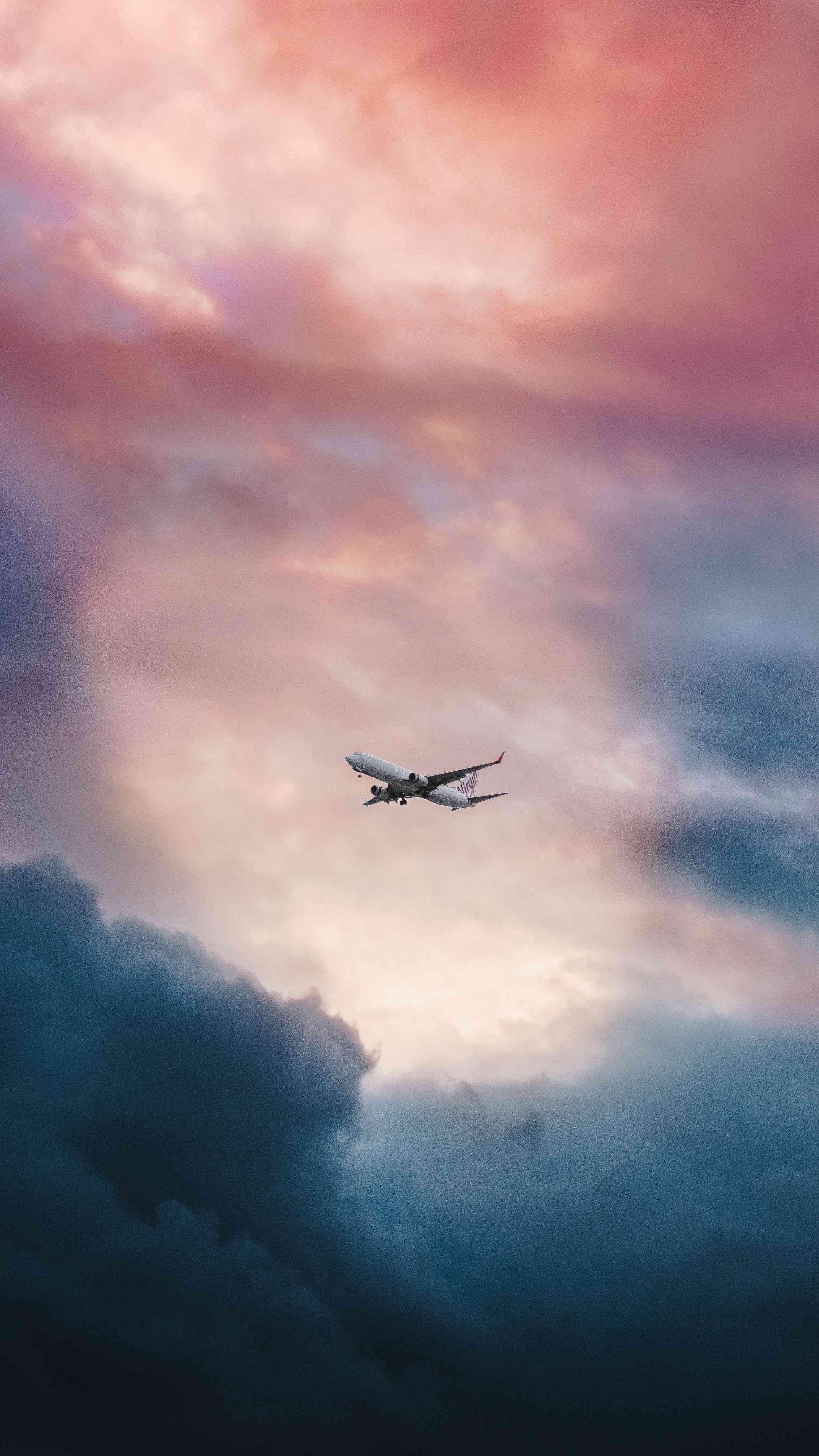 Plane in Sky HD iPhone Wallpaper