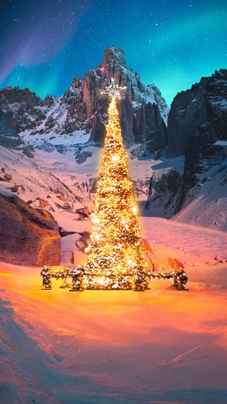 The Christmas Tree iPhone Wallpaper