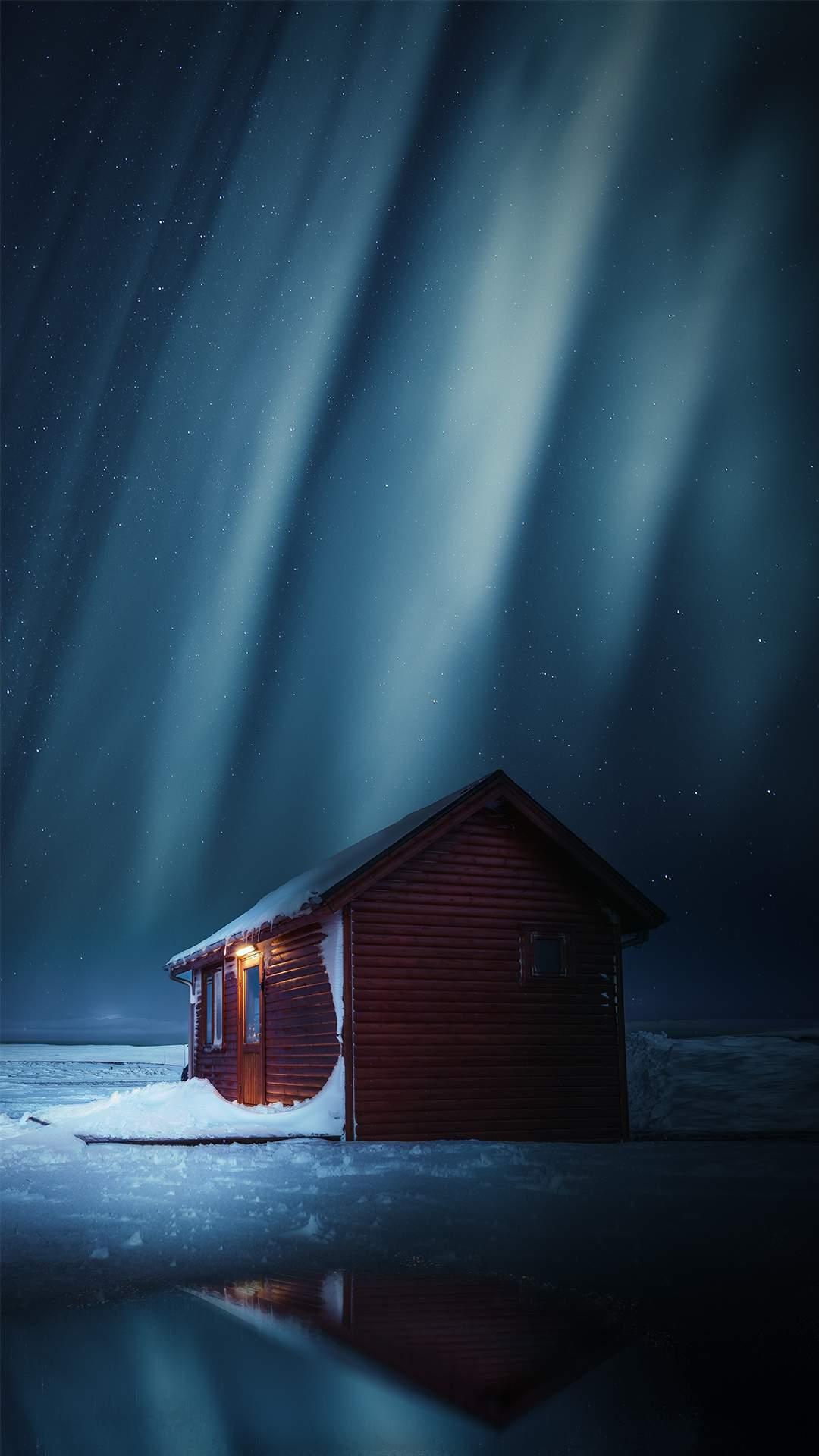 Winter Cabin Nothern Lights iPhone Wallpaper
