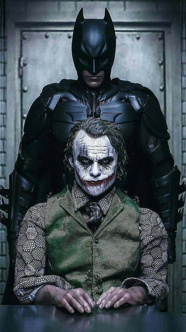Joker vs Batman iPhone Wallpaper