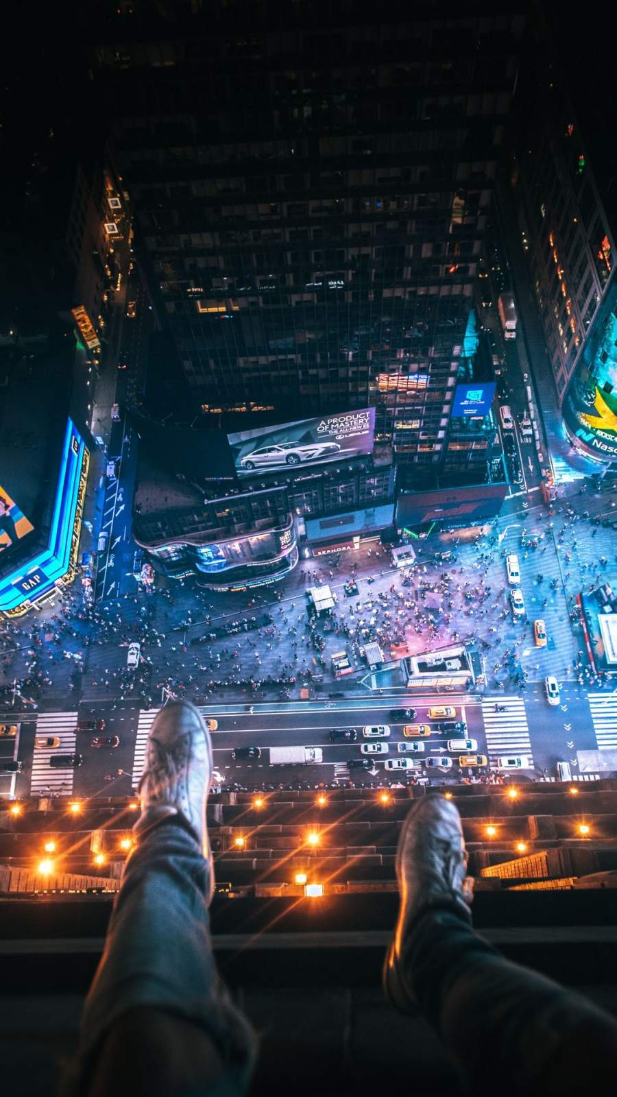 Legs Hanging Aerial view New York City iPhone Wallpaper