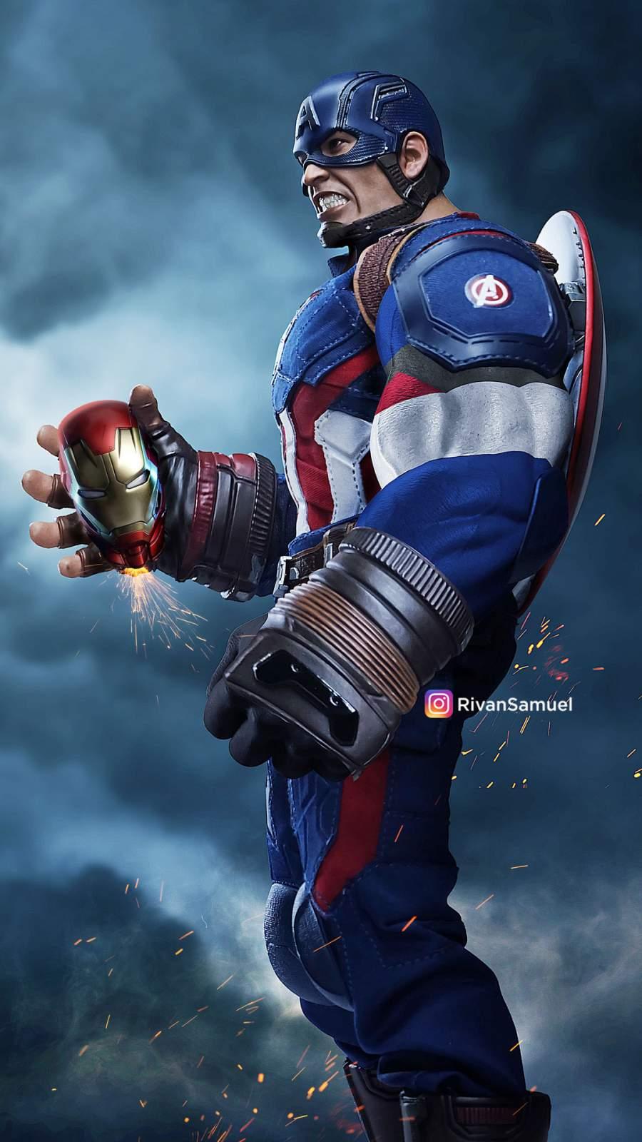 Bulky Captain America iPhone Wallpaper