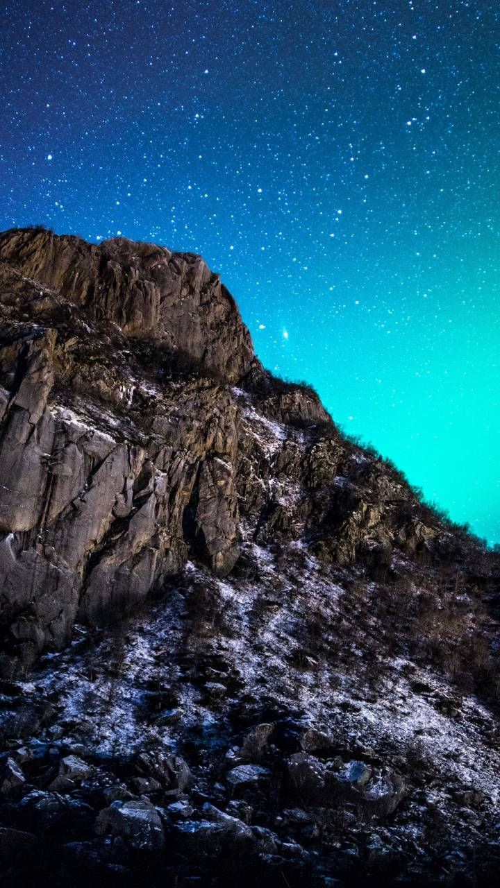 Starry Sky Mountain Wallpaper