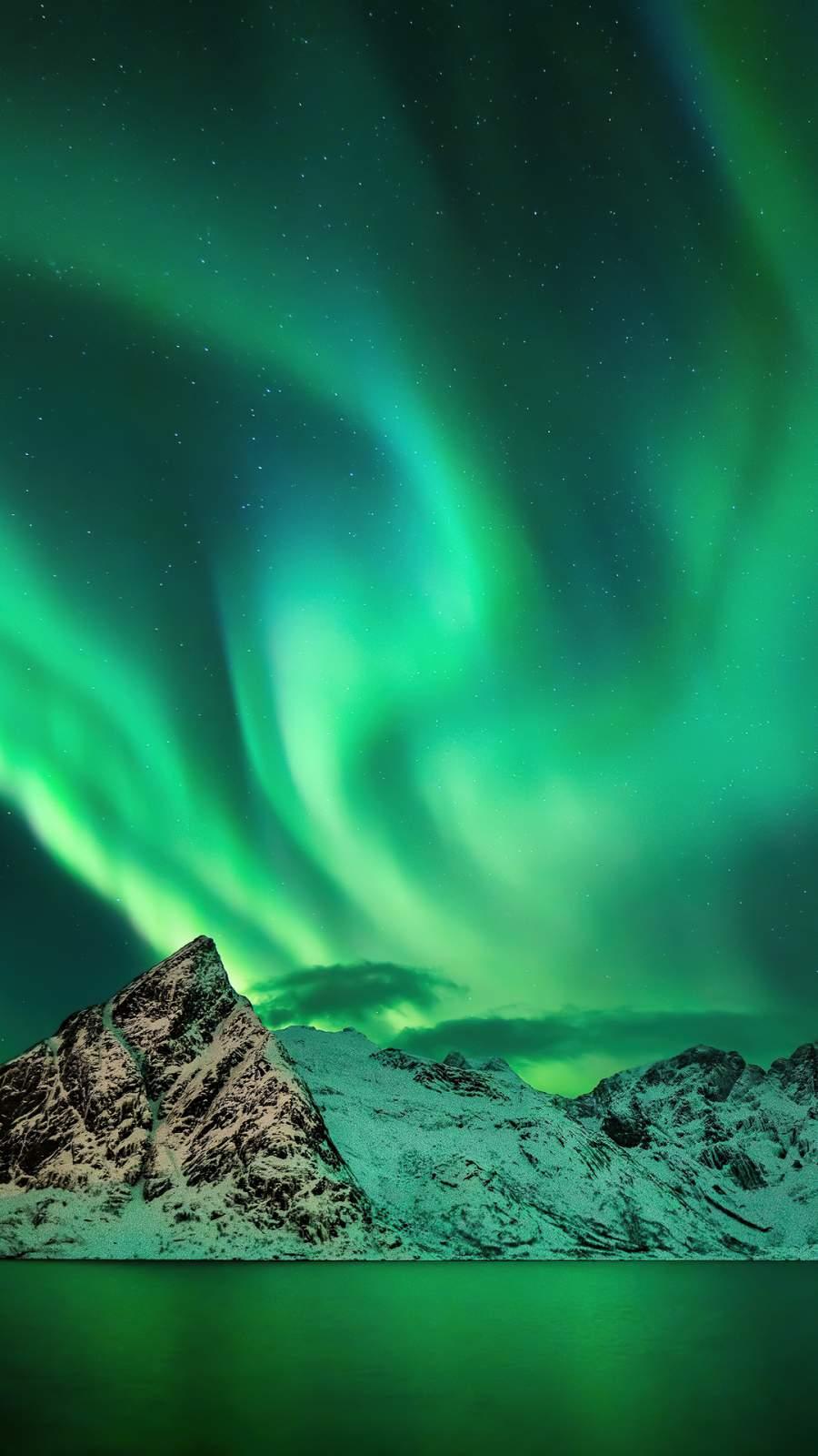 Aurora Season Mountains iPhone Wallpaper