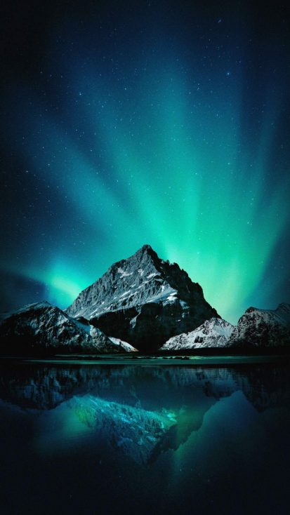 Mountain Aurora iPhone Wallpaper