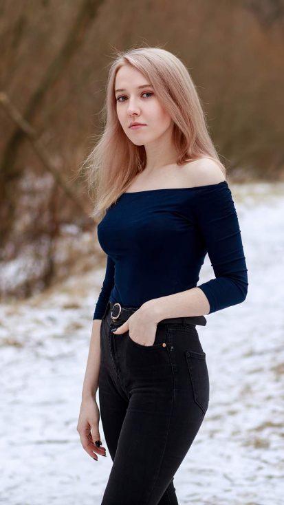 Blonde in Black iPhone Wallpaper