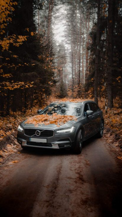 Volvo SUV iPhone Wallpaper
