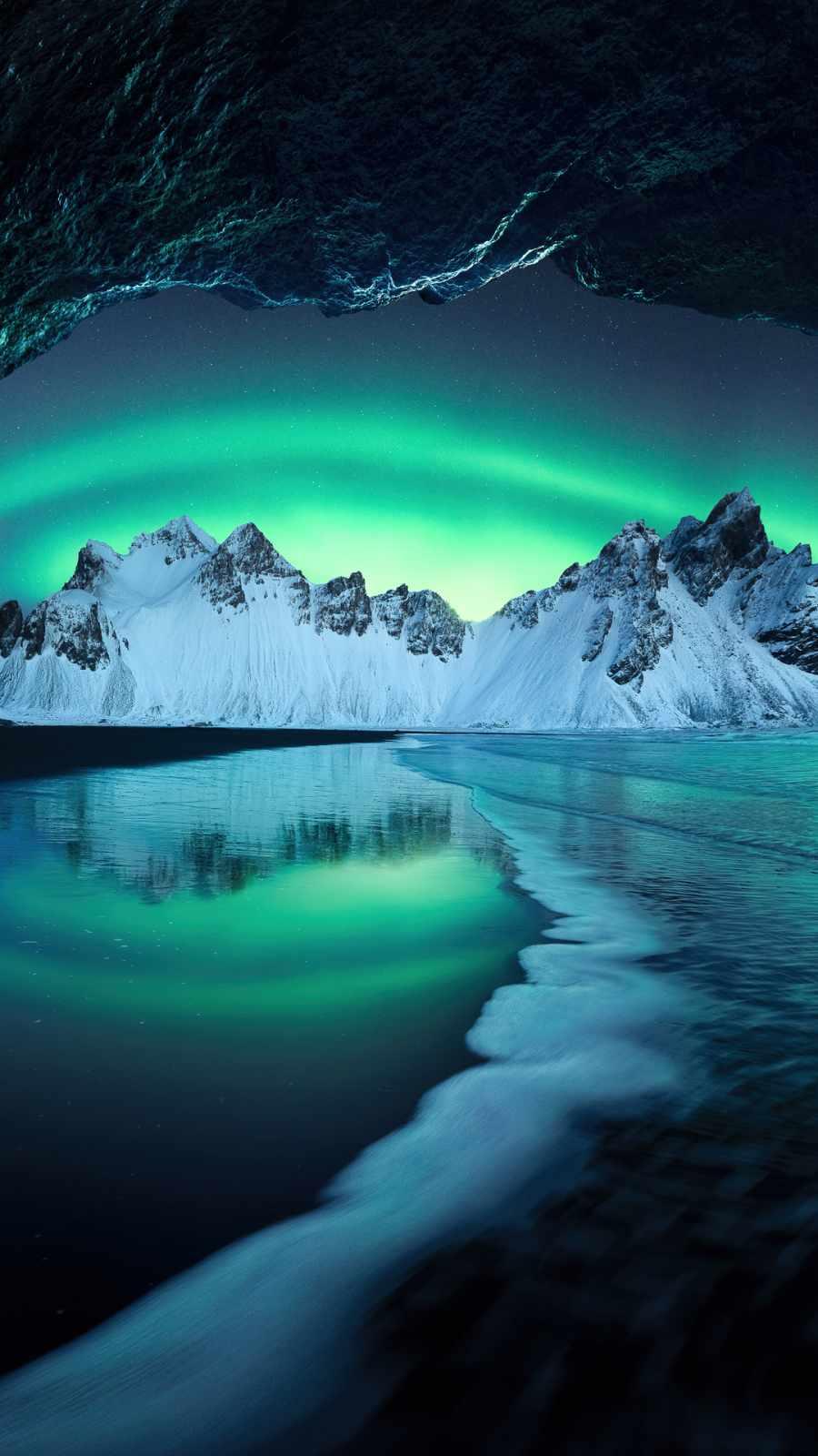 Aurora in iceland mountains