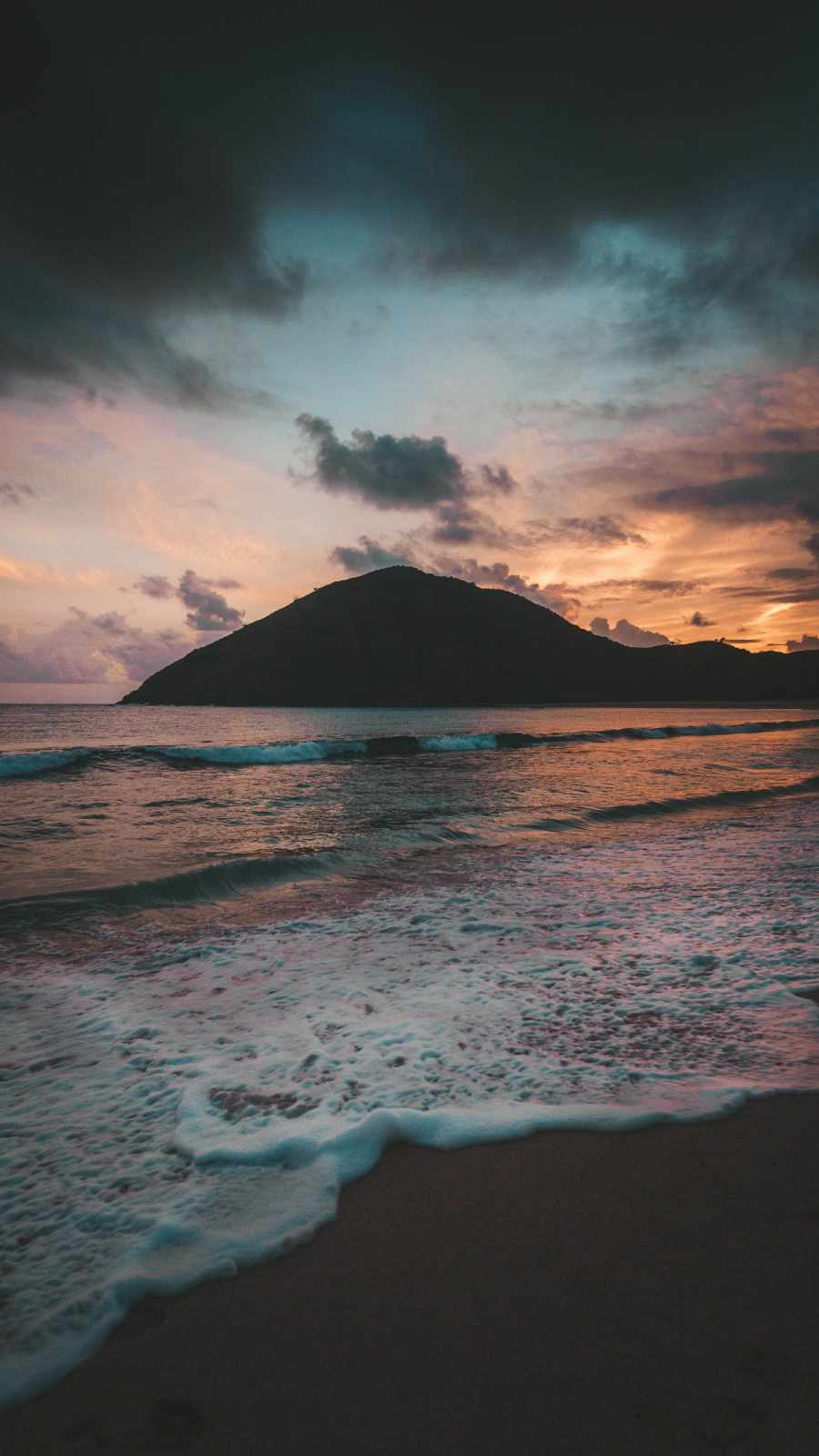 Beach Mountain iPhone Wallpaper