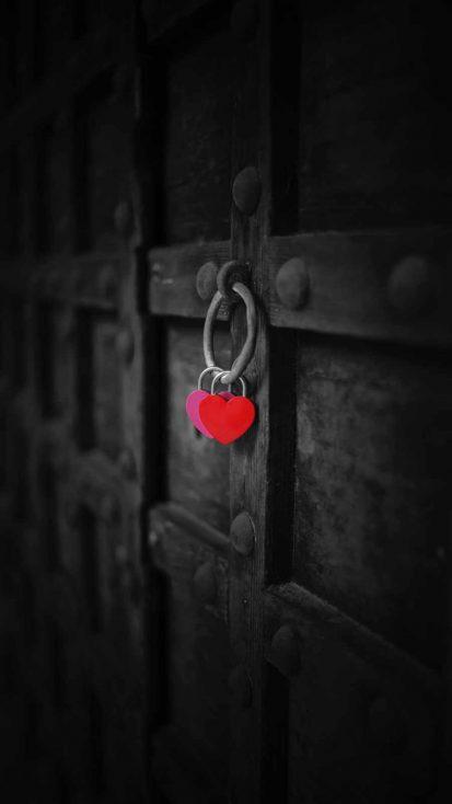 Love Lock iPhone Wallpaper