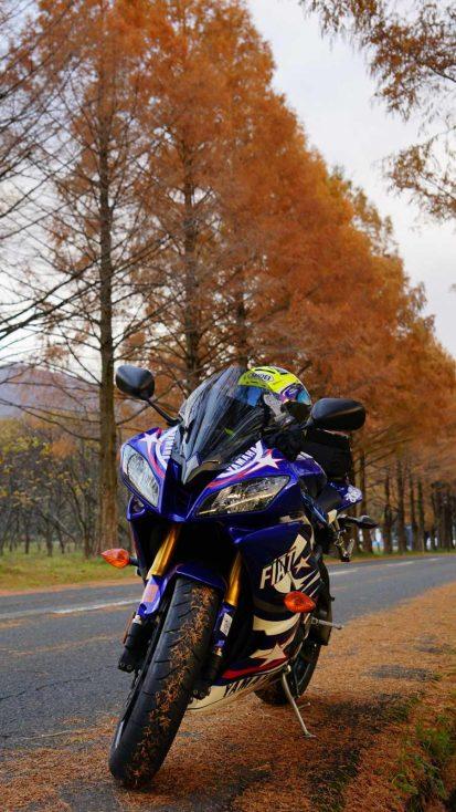 Yamaha R1 Racing iPhone Wallpaper